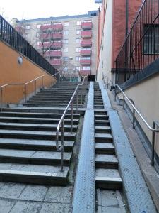 גרם מדרגות טיפוסי בסטוקהולם (צילום: נ.ב.). בשנה הבאה בירושלים?